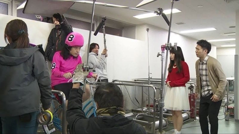 """ピース又吉と元AKB48川栄李奈が初共演で""""人見知り全開""""。綾部「2人が喋ってんの一回も見たことない」サムネイル画像"""