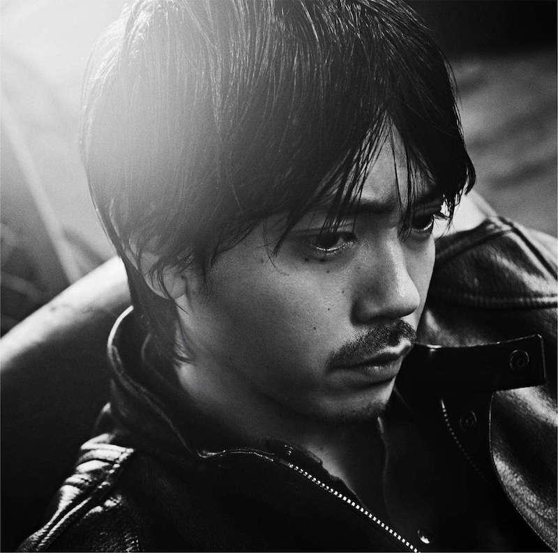 劇団EXILE・青柳翔、ワイルドで大人の男らしい色気が溢れるジャケット写真公開サムネイル画像
