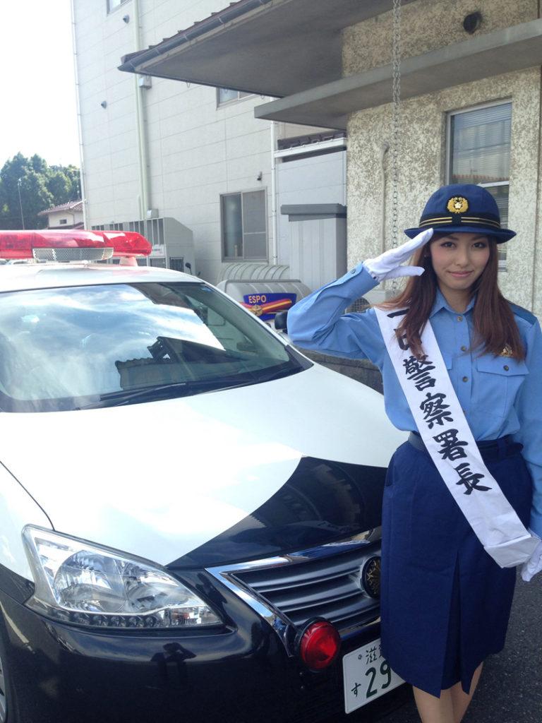 アイドリング!!! 橘ゆりかが地元滋賀に、警察の制服姿で凱旋サムネイル画像