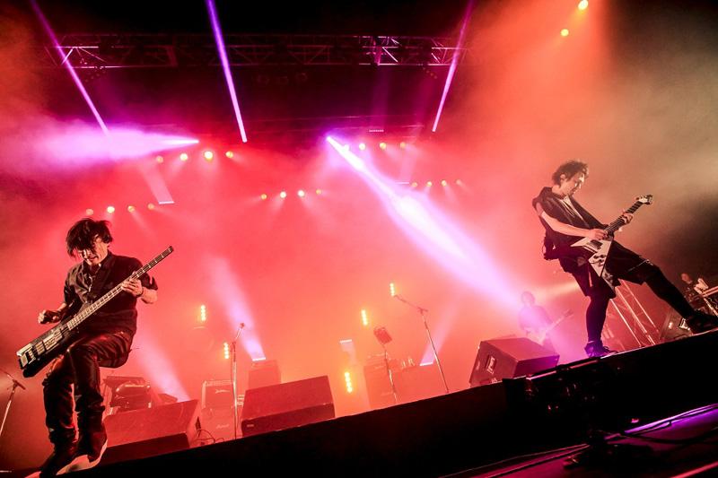 ブンブンサテライツ、『Vivala Rock 2015』 圧巻のクロージングアクト!ボーカル川島、初の日本語歌唱も披露!サムネイル画像
