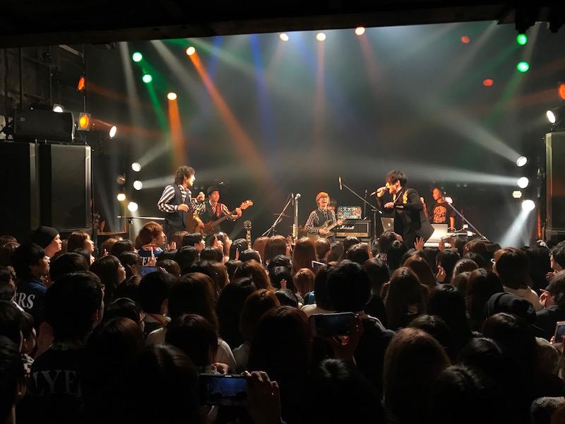 SKY-HIが「好きなソングライター」と語る、新進気鋭ピアノPOPバンド・Official髭男dismが初対バンサムネイル画像