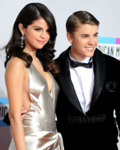 2011-american-music-awards-arrivals