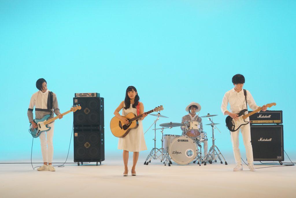 坂口健太郎、初の歌声披露にネット反響。「歌も上手いなんて」「何でもできるじゃん!」