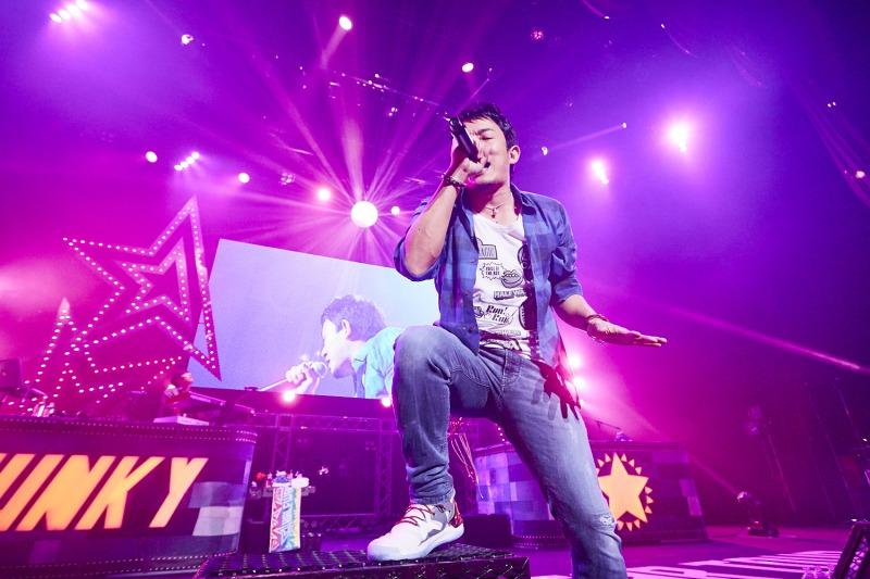 ファンキー加藤、全国20公演のホールツアー「HALFWAY STAR TOUR」完走サムネイル画像
