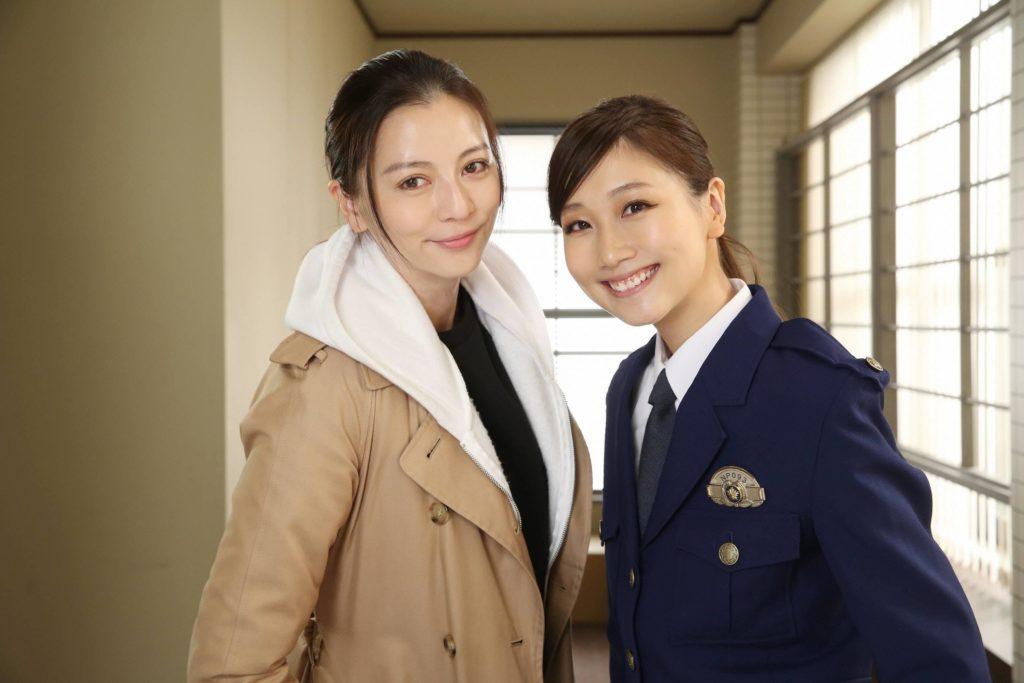 大塚愛が婦人警官役で香里奈と共演! その制服姿にネットでは称賛の声。「婦警姿、似合いすぎっ」サムネイル画像