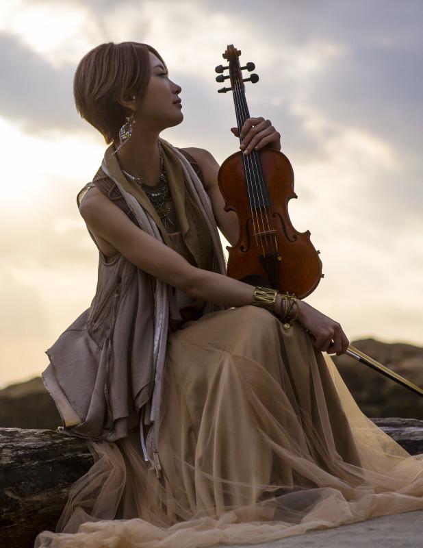 美しすぎるヴァイオリニストAyasa、幻想的な演出で初の2Days全4公演のワンマンライブを熱演!サムネイル画像