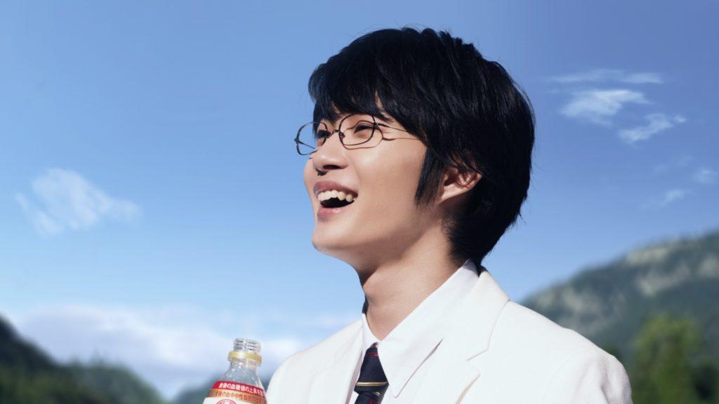 神木隆之介、爽やかな笑顔を披露。新TVCMがオンエア。サムネイル画像