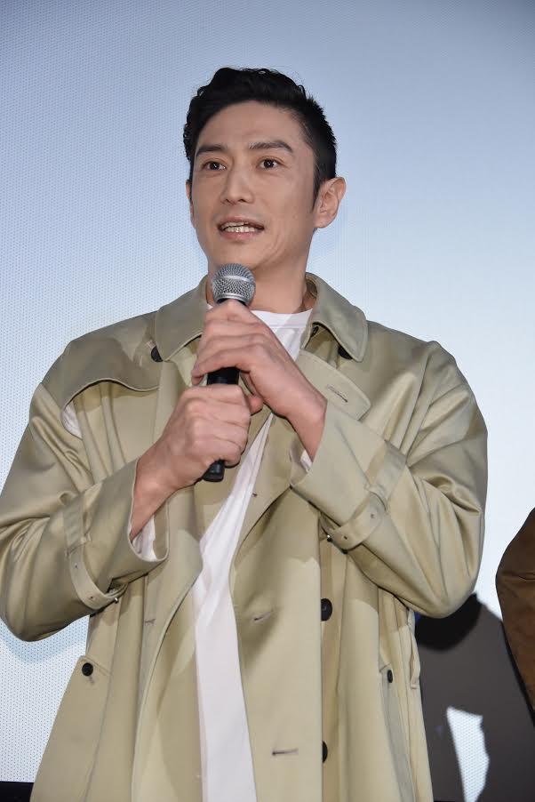 映画「3月のライオン・後編」に伊勢谷友介が出演。試写会に登場し、役柄同様の自由奔放キャラを見せる。サムネイル画像