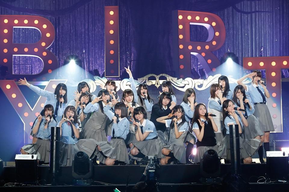 欅坂46、デビュー1周年記念ライブで代々木第一体育館が熱狂!けやき坂46新メンバー募集も発表!サムネイル画像
