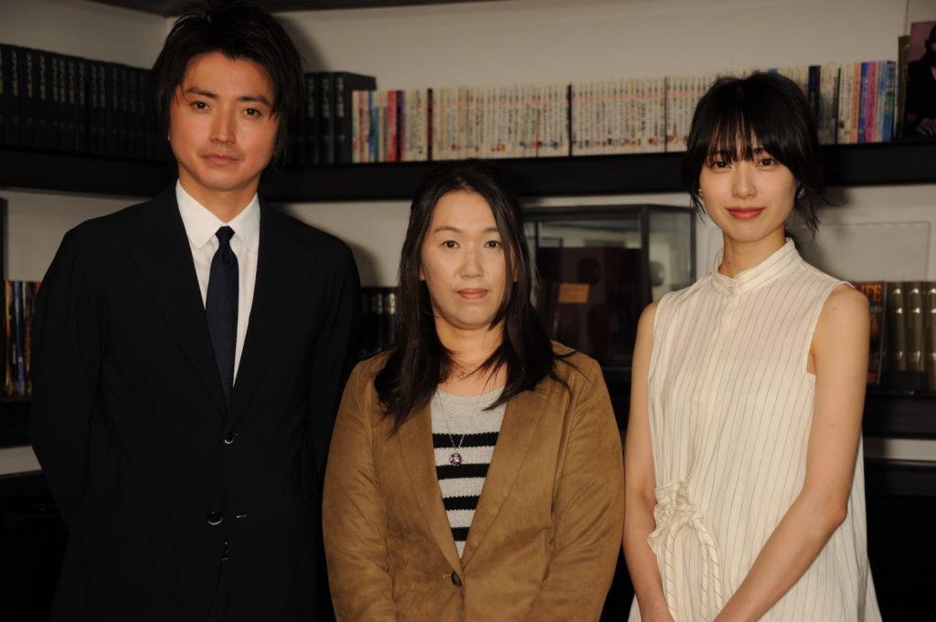 戸田恵梨香、藤原竜也との肩抱きツーショット公開に「へっへっへっ」サムネイル画像