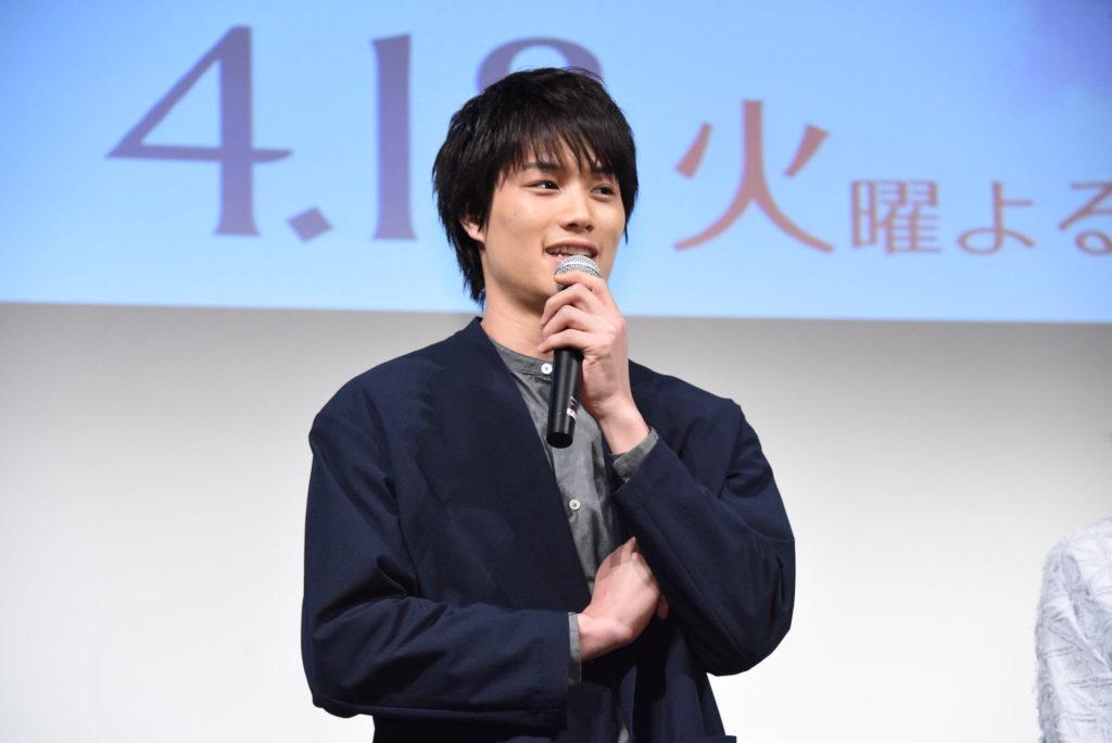 """有島演じる鈴木伸之""""ネクタイ緩め姿""""の写真公開で「セクシーでやばっ」「とろけそうです」サムネイル画像"""