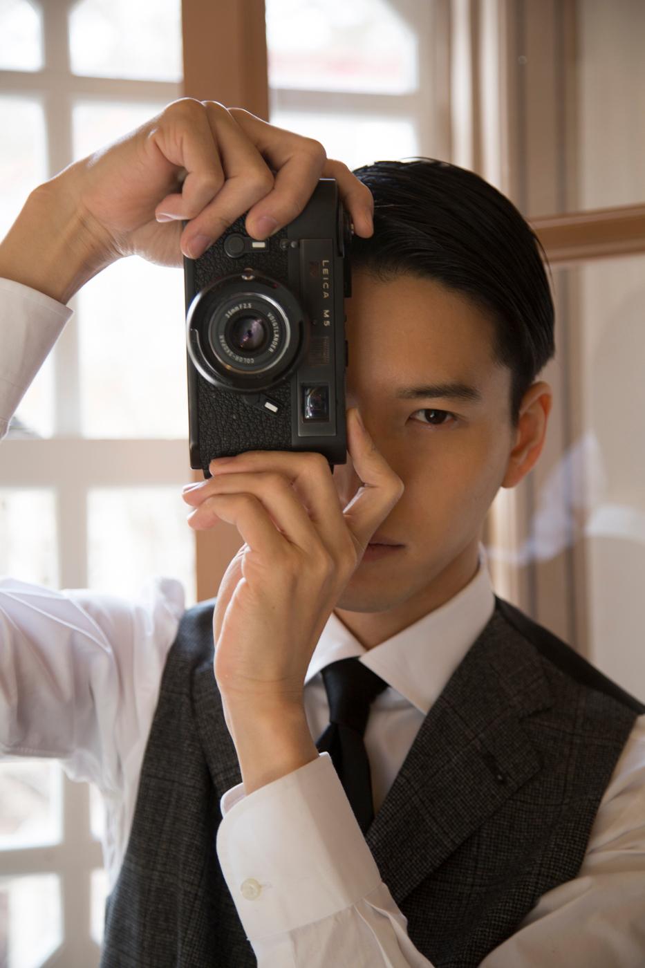 田口 淳之介、美背中見せバックショットも披露!いまの魅力すべてがつまった初の写真集を発売