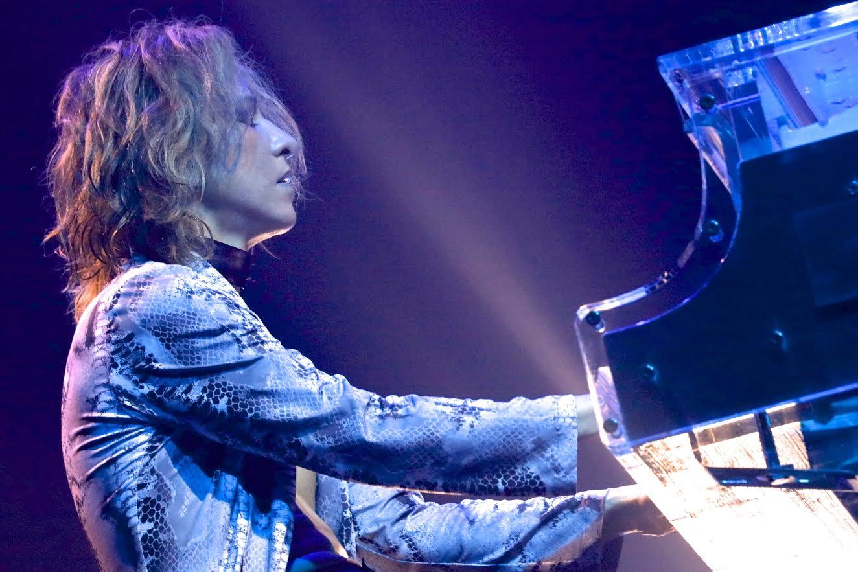 X JAPAN・YOSHIKIインスタグラムで動画公開「手術後の小さな挑戦」にファンから声援サムネイル画像