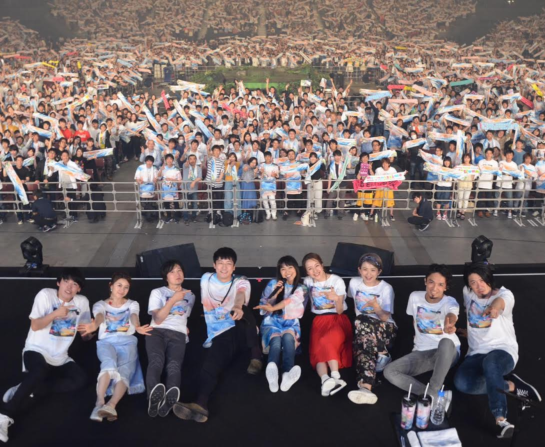 miwaのアリーナツアーに坂口健太郎がサプライズ登場。ファンの「歌って!」に応え、急遽演奏を披露