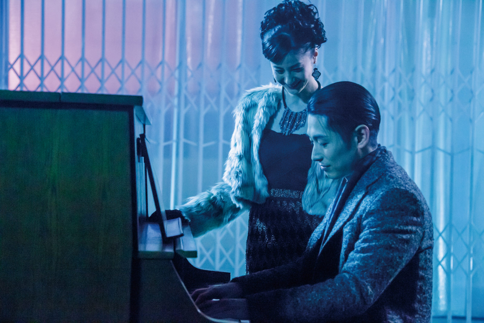 ディーン・フジオカ、結婚詐欺師を演じる映画『結婚』のピアノ演奏シーンを公開サムネイル画像