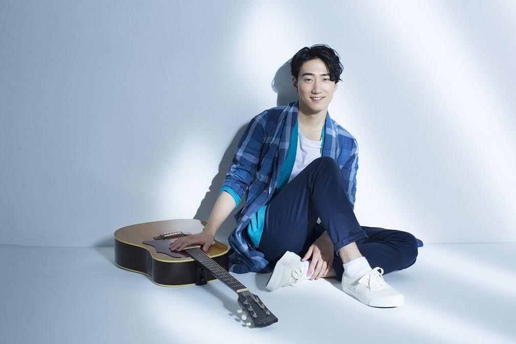 満を持してデビューの村上佳佑、歌声生披露にネットでは称賛の声「素敵な歌声」「すごいです」サムネイル画像