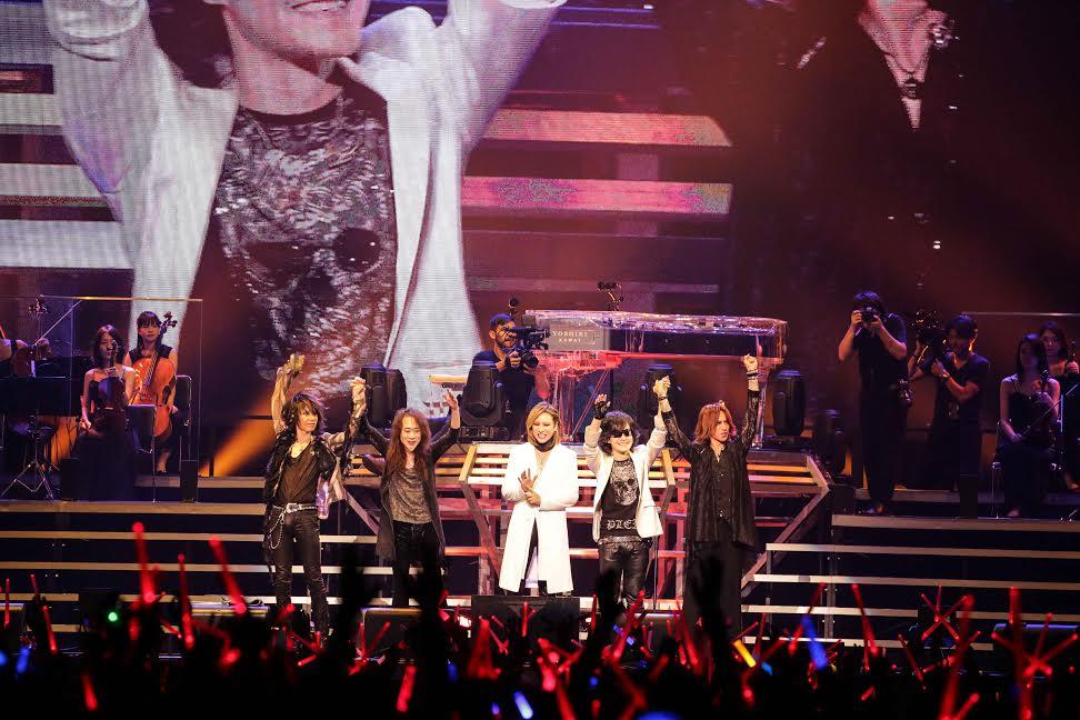 X JAPANのツアーが開幕!YOSHIKI、術後初めてのパフォーマンスにファンが押し寄せる