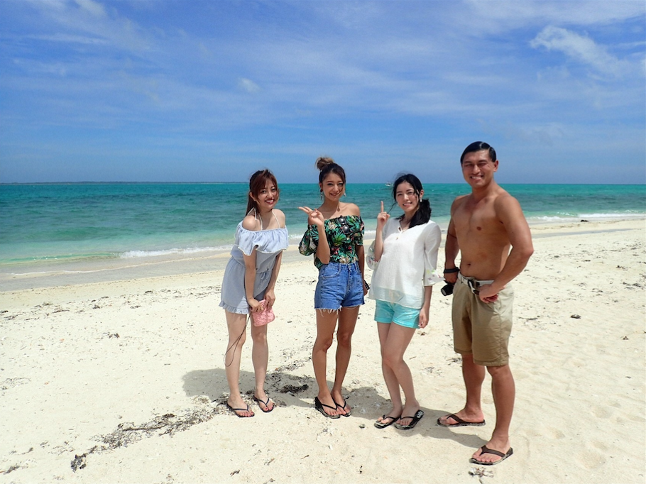 沖縄島巡りの旅に出た4人