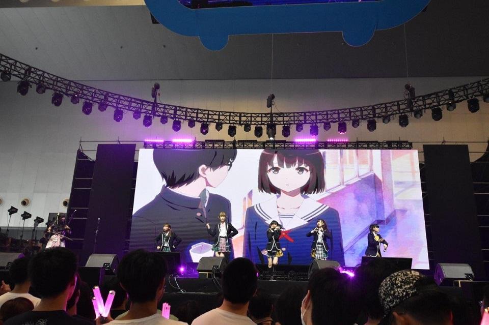 妄想キャリブレーション、上海「BILIBILI WORLD 2017」に出演「1年以内に中華圏での単独公演めざしたい」サムネイル画像