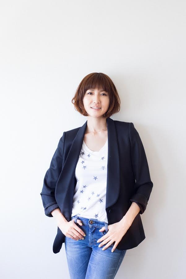 40歳で第3子出産のhitomi、産後9ヶ月の体重を公開「カラダは正直で…」サムネイル画像