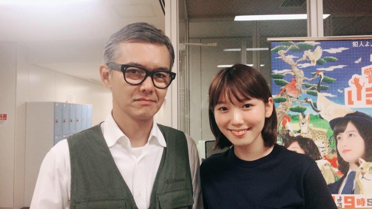 ドラマ『パパ活』で年の差恋愛を演じた飯豊まりえと渡部篤郎の2ショットを公開サムネイル画像