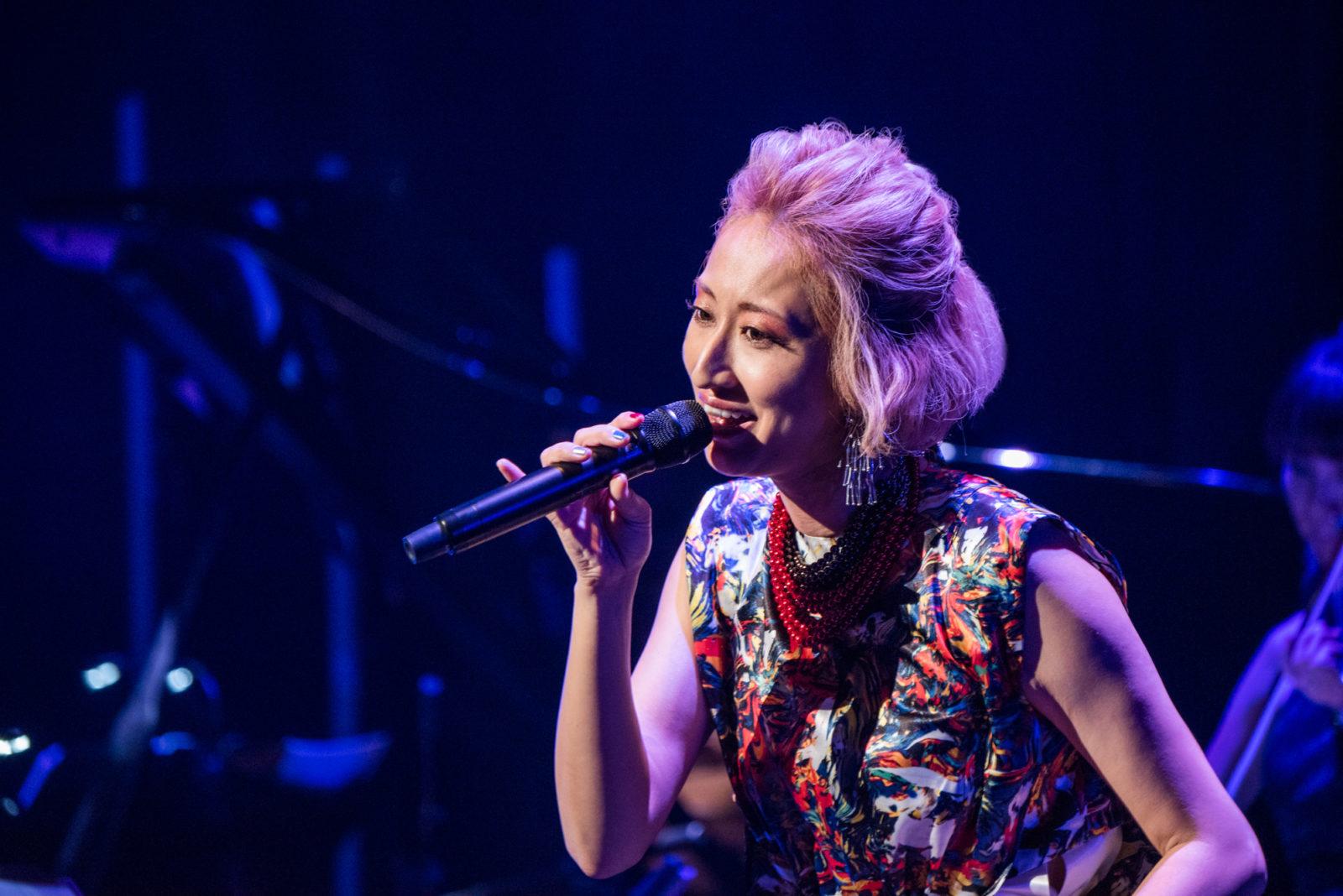 Ms.OOJA  新作オリジナルアルバム「PROUD」が今冬発売決定。収録曲の心揺さぶる名バラード「WITH」をプレミアムライブでいち早く披露サムネイル画像