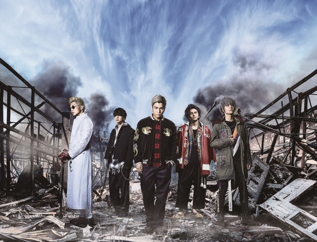 『HiGH&LOW THE MOVIE 2 / END OF SKY』週末興行ランキング堂々第1位を獲得サムネイル画像