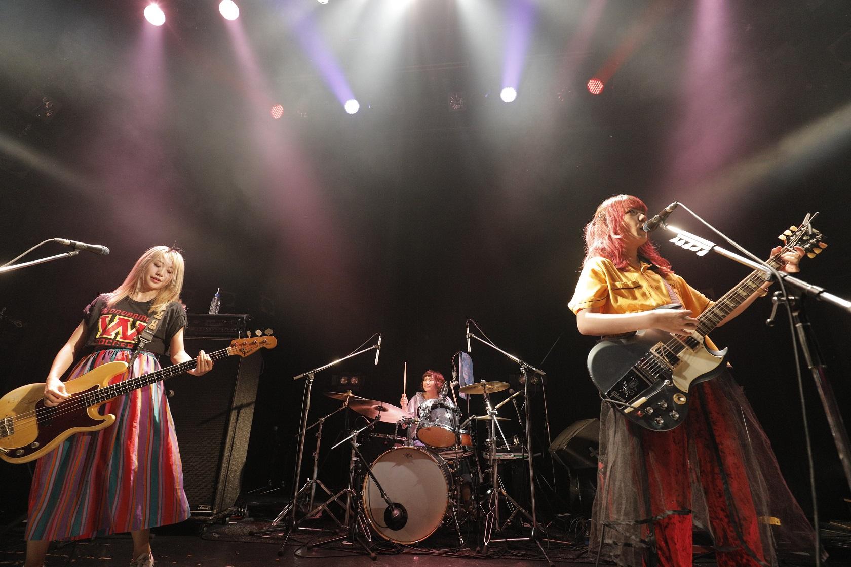 the peggies「ひよっこ」でも好演中の古舘佑太郎新バンド「2」を迎えた自主企画ライブ「ダブダブdeベビベビ」を開催