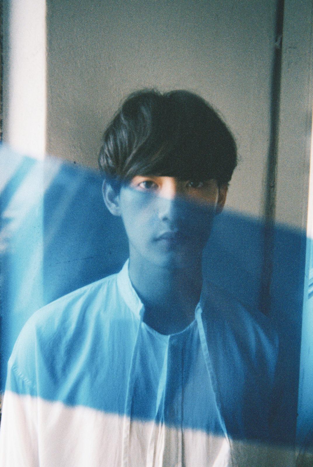 向井太一11月29日に待望の1stアルバム『BLUE』発売決定!新曲MVも公開サムネイル画像
