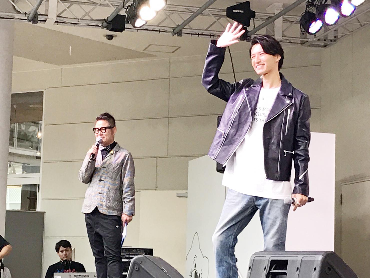 田口 淳之介、トークイベントにファン集結。雨の中での握手会も