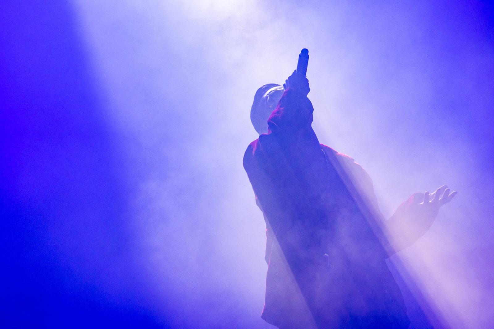 AK-69、武道館公演でヒップホップ魂を見せつける!Che'Nelleのサプライズ登場で初共演パフォーマンスが実現した「I Still Shine feat. Che'Nelle / Stronger」もリリースサムネイル画像