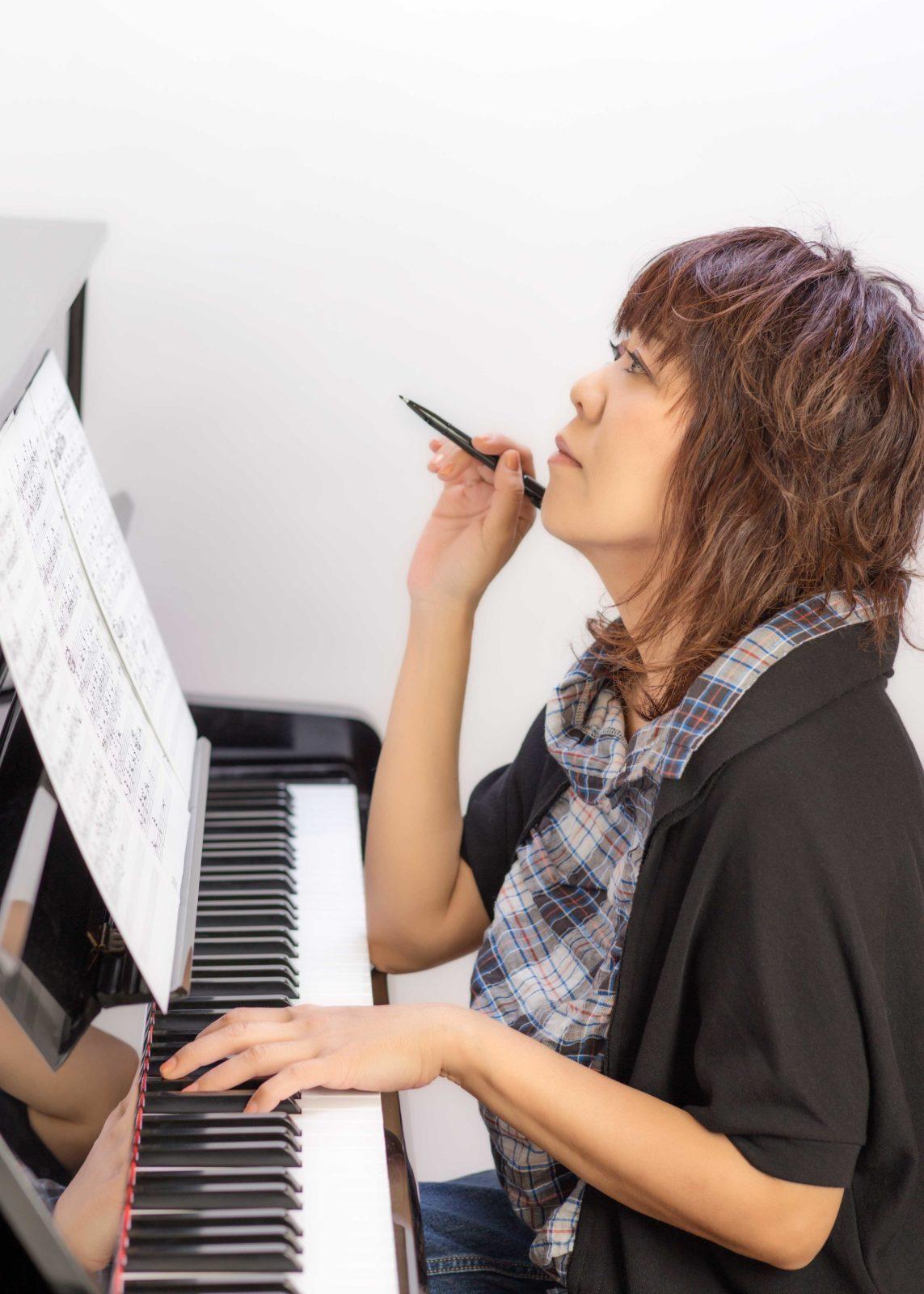 川村結花、新作MV公開&ピアノ弾き語りによるワンマンライブツアー発表サムネイル画像