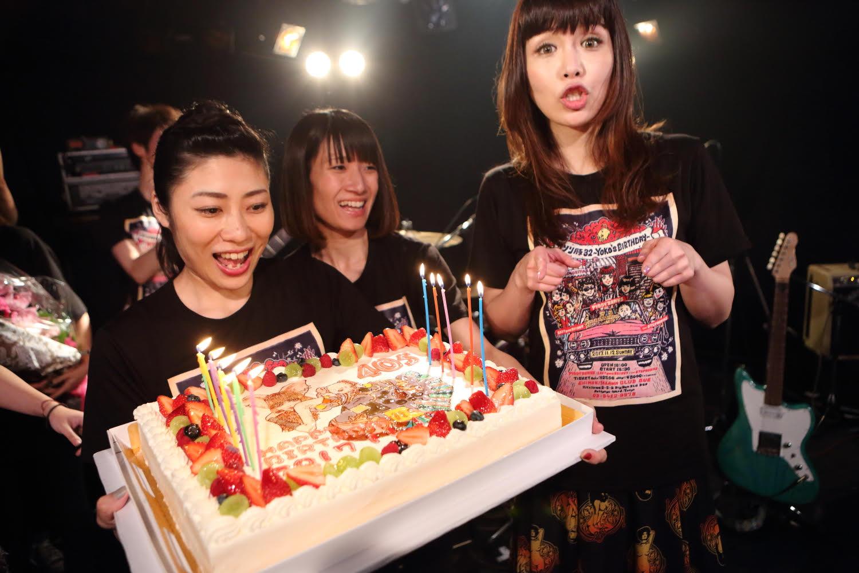 矢沢洋子VocalバンドPIGGY BANKS 、11月12日バースデーライブ敢行!サムネイル画像
