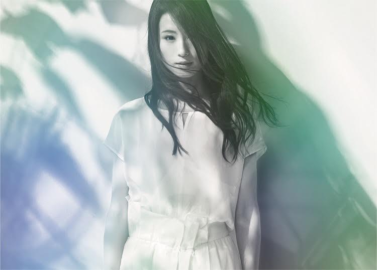 ドラマ「コウノドリ」主題歌 Uruの新曲CDジャケット原画の展示が決定サムネイル画像
