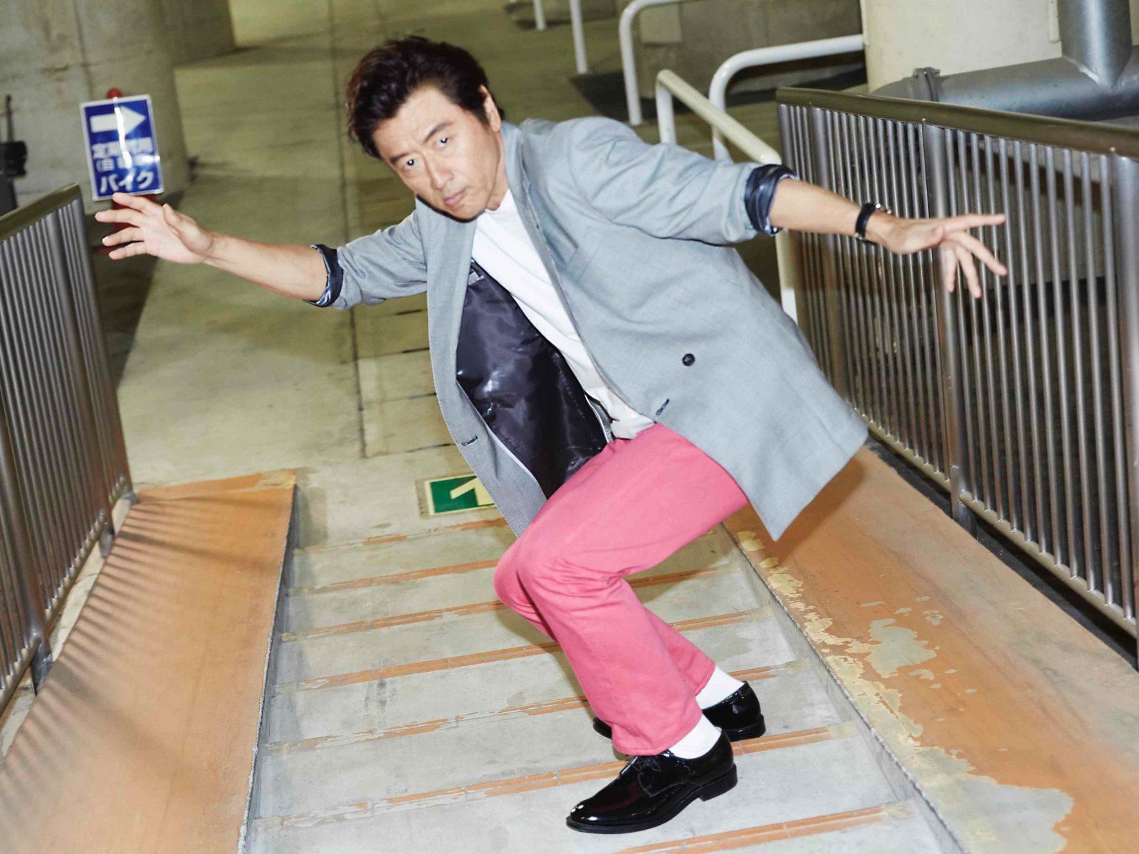 桑田佳祐、1月3日発売のベスト・ミュージックビデオ集『MVP』スペシャルサイトにて、収録される30曲の全曲解説を公開サムネイル画像
