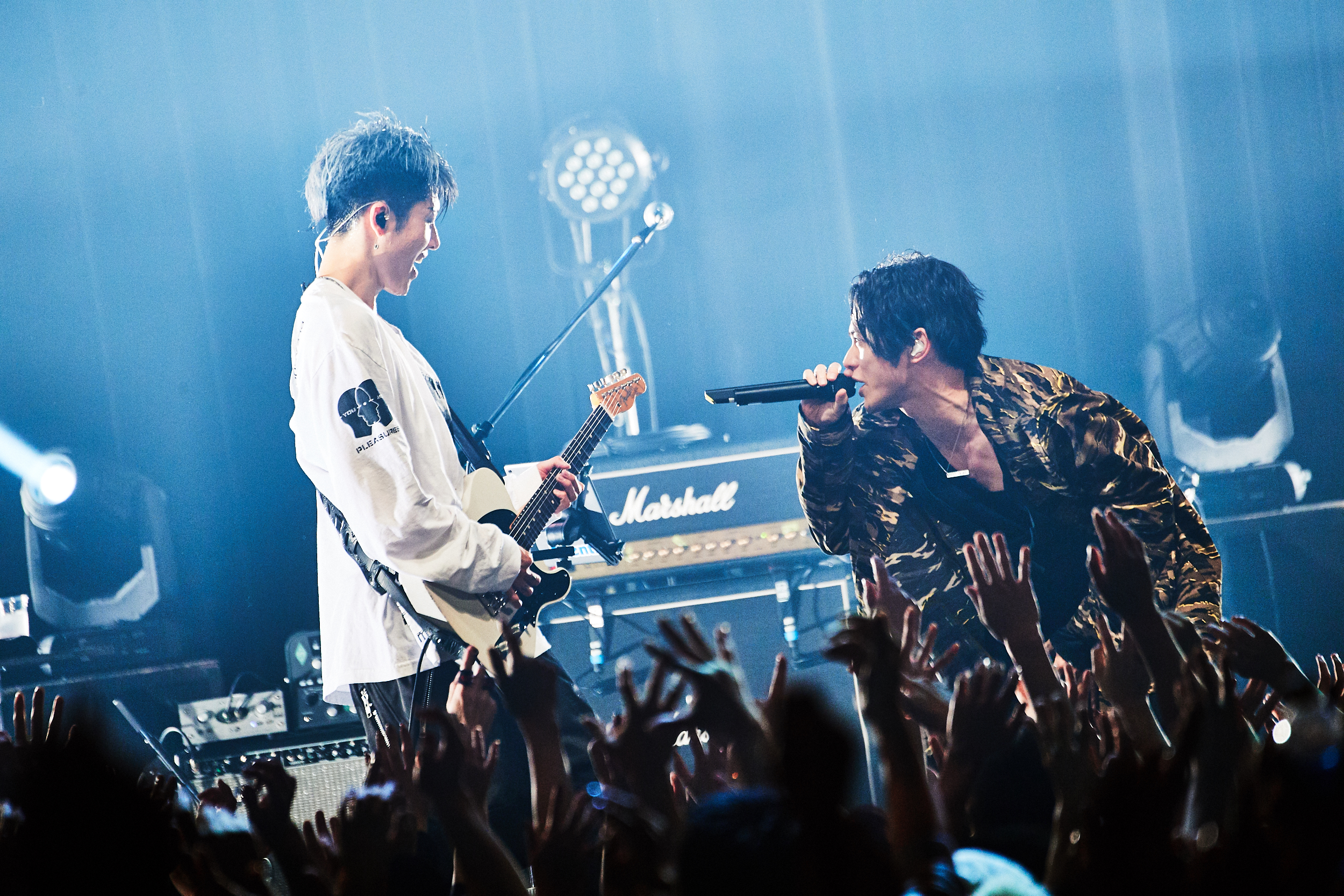 """世界的ギタリストMIYAVIツアー""""Day 2 Begins"""" 最終公演にサプライズでEXILE SHOKICHI、SKY-HI、ちゃんみな、Masato (coldrain)ら登場"""