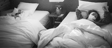 ももクロ・百田夏菜子、友達とのシンクロ寝相写真公開にファン歓喜「寝顔かわええ」「萌えるわ」サムネイル画像