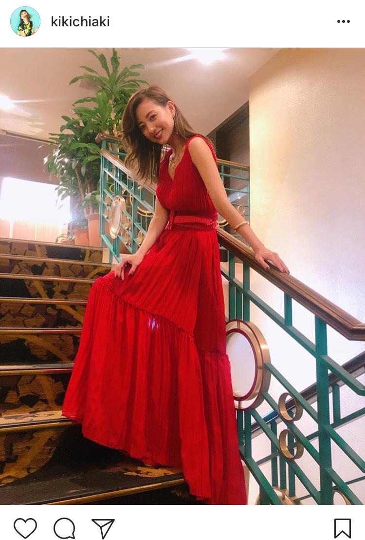 元AAA・伊藤千晃、真っ赤なロングドレス姿を披露し「痩せた?」「お母さんに見えない」と反響サムネイル画像