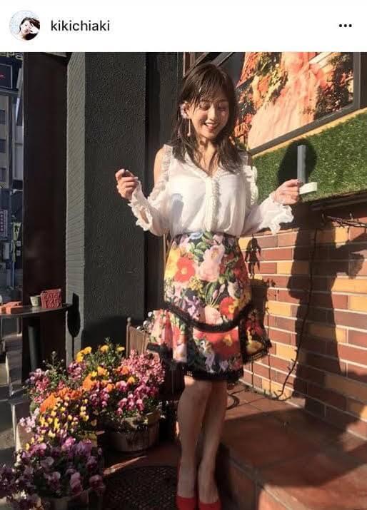 「1児の母とは…」元AAA伊藤千晃 美脚披露の花柄春コーデに反響サムネイル画像