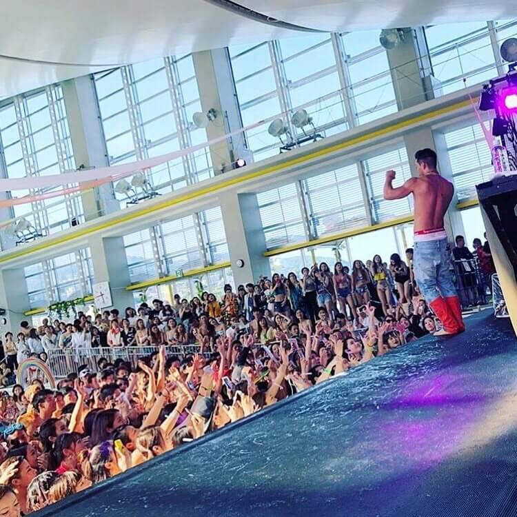 水着で楽しむ音楽フェス「EYELAND」初開催!2,000人が熱狂した新感覚プールフェスの誕生サムネイル画像