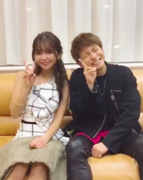 "AAA宇野実彩子、與真司郎と""全力笑顔""TikTokに「鬼可愛い」の声サムネイル画像"