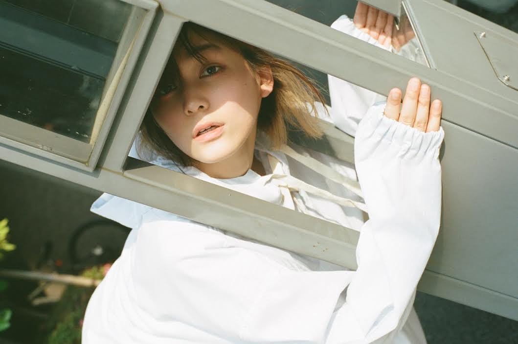 ナナヲアカリ、フライングベストな名刺代わりの1stフルアルバム豪華収録楽曲を発表サムネイル画像