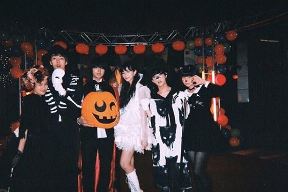 M!LK佐野勇斗、中条あやみ・上白石萌歌らと仮装姿で集合写真