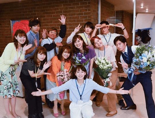 川栄李奈、吉岡里帆・田中圭・井浦新らと集合写真「出会えてよかった!」サムネイル画像