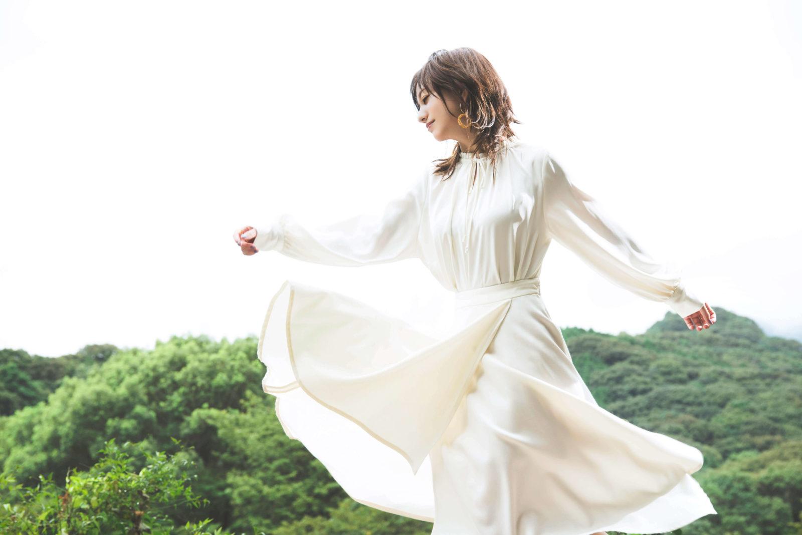 伊藤千晃の第2弾デジタル・シングル曲「happiness」が配信サムネイル画像