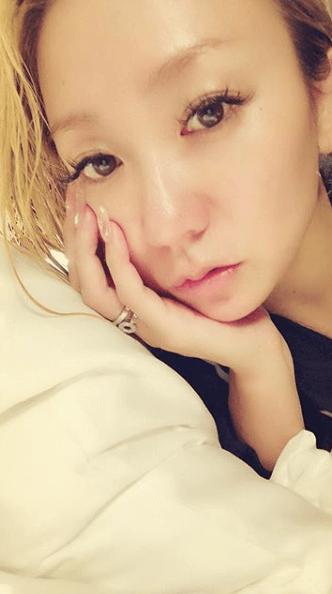 倖田來未「すっぴん?」写真でツアー初日を報告「めちゃ綺麗」サムネイル画像