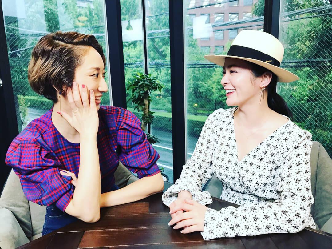 Ms.OOJA、貫地谷しほりと歌詞を共作!女性のためのコラボEP『Stories』発売決定サムネイル画像