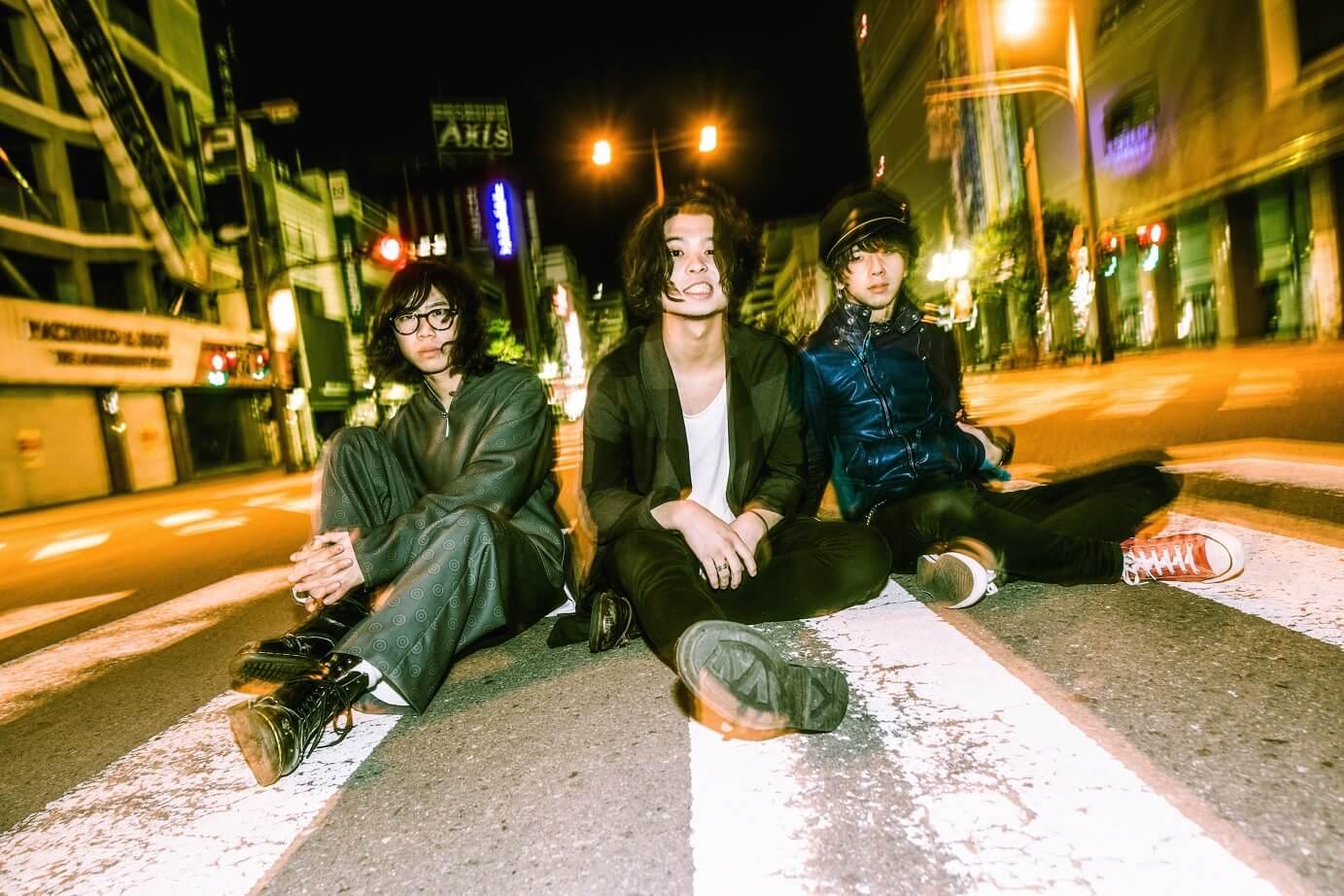 SIX LOUNGE  ミニアルバム「ヴィーナス」収録曲 「ピアシング」MV解禁サムネイル画像!
