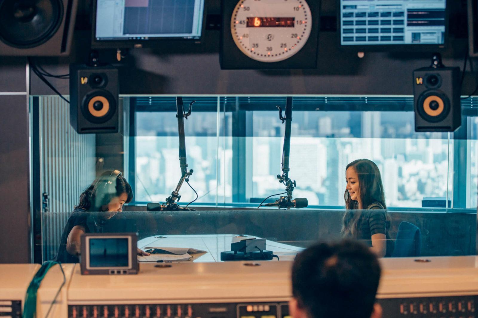 安室奈美恵出演、民放ラジオ101局特別番組「WE LOVE RADIO, WE LOVE AMURO NAMIE」撮り下ろし写真公開