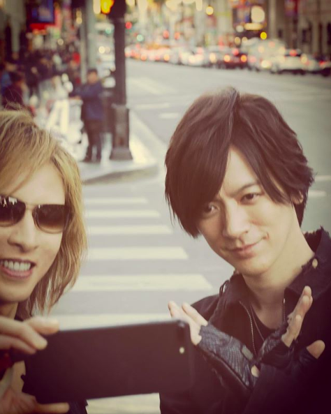 YOSHIKI、DAIGOと仲良し自撮り姿公開
